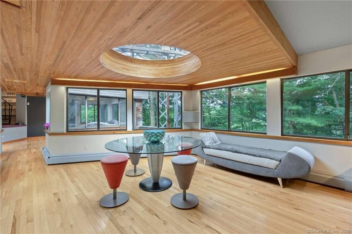 Armster has won awards for his architecture, which emphasizes minimal changes to the natural setting. His signature elements include skylights and glass walls.