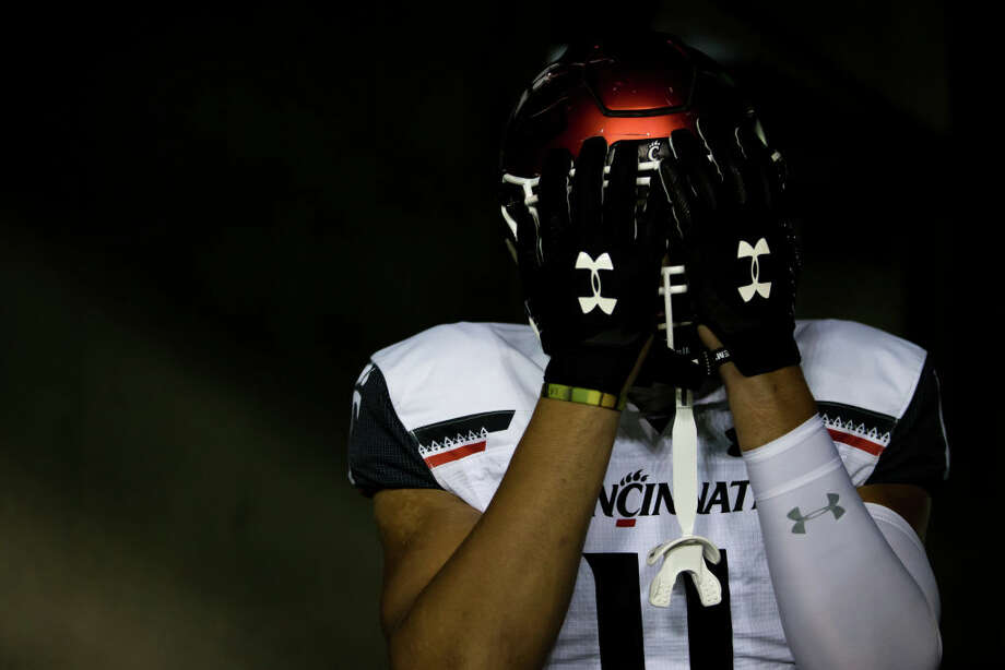 Cincinnati Bearcats tight end Leonard Taylor (11) poses in the tunnel before the South Florida Bulls game versus the Cincinnati Bearcats on November 16, 2019 at Raymond James Stadium in Tampa, FL. (Photo by Mary Holt/Icon Sportswire via Getty Images) Photo: Icon Sportswire/Icon Sportswire Via Getty Images / ©Icon Sportswire (A Division of XML Team Solutions) All Rights Reserved