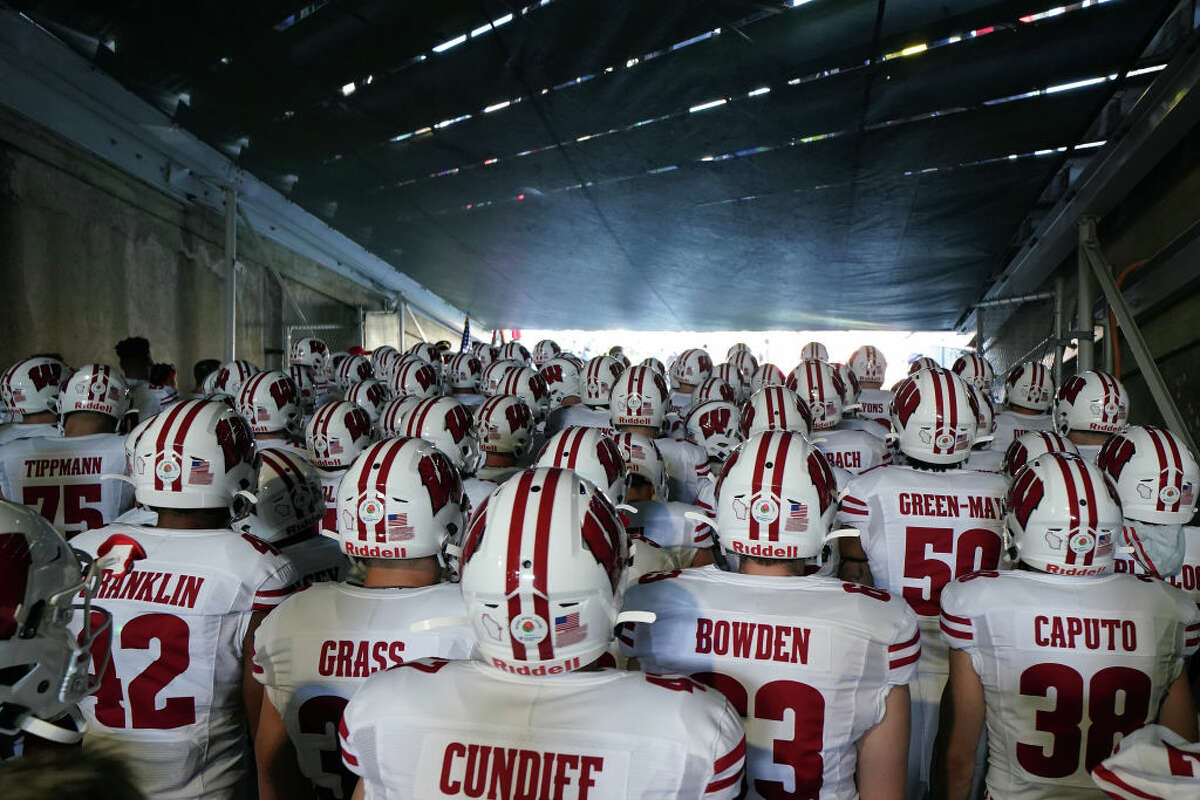 The Wisconsin Badgers gather in the tunnel prior to the Rose Bowl game presented by Northwestern Mutual against the Oregon Ducks at Rose Bowl on January 01, 2020 in Pasadena, California. (Photo by Michael Heiman/2020 Getty Images)
