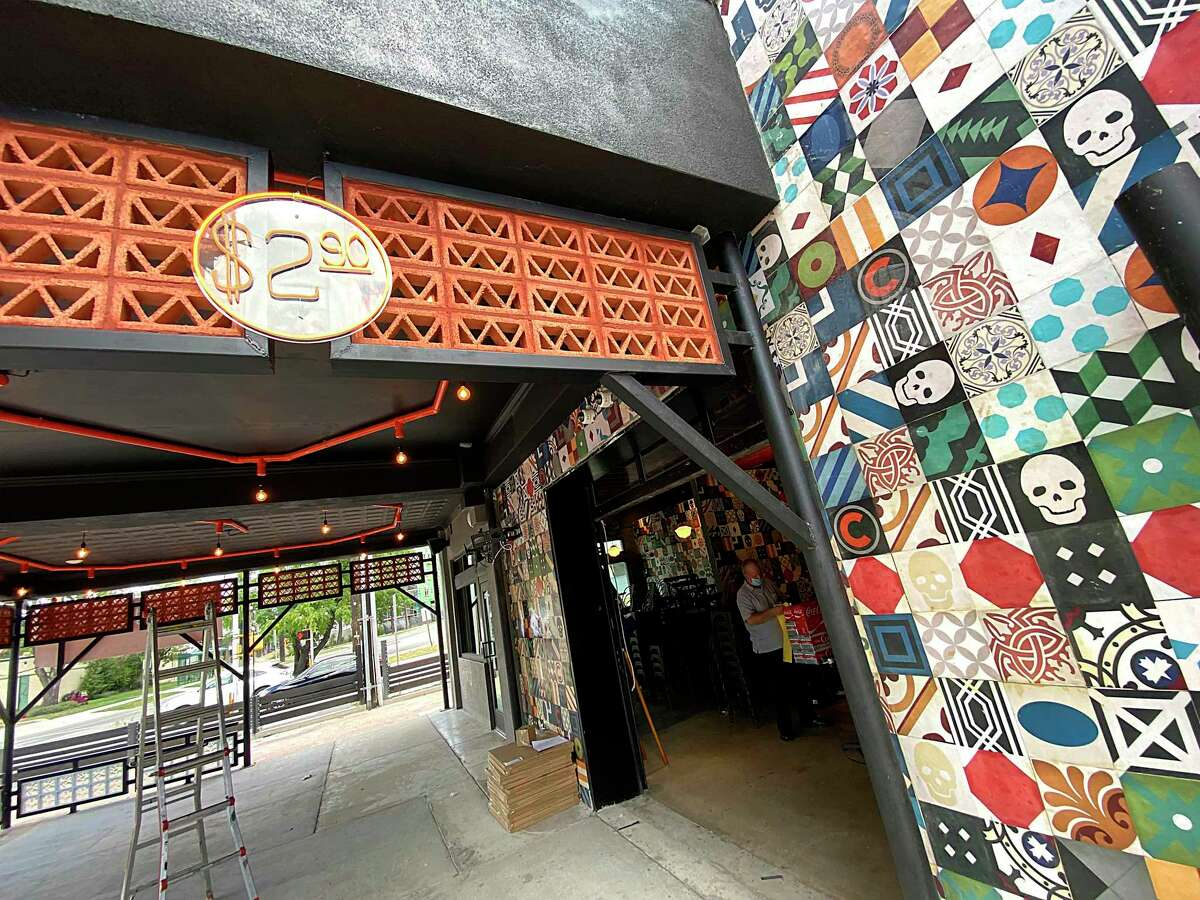 Cervecería Chapultepec will sell all of its food and drinks for $2.90.