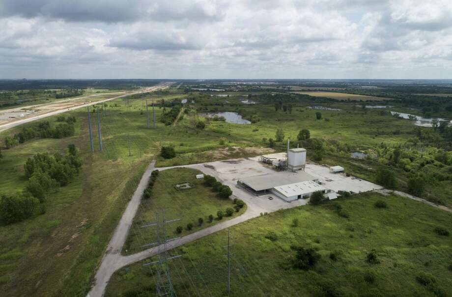 Tesla located its incoming manufacturing plant at this Martin Marietta property at Texas 130 and Harold Green Road. (Jay Janner/Austin American-Statesman/TNS) Photo: JAY JANNER /TNS / Austin American-Statesman
