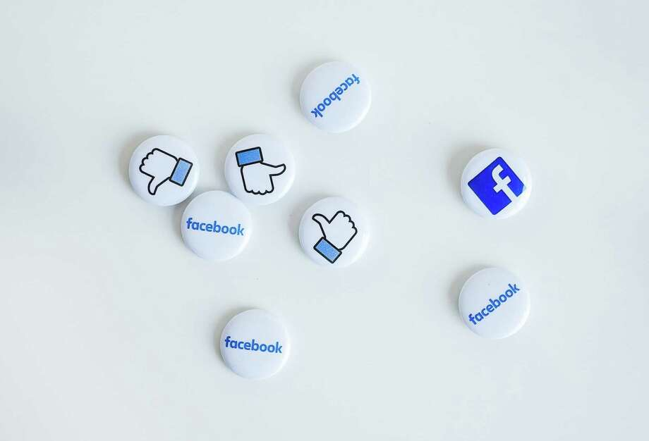 Icons from Facebook's news feed Photo: File Photo / DPA