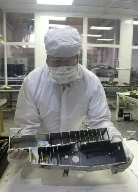 Earlier version of Ultraviolet spectrometer. Photo: Courtesy SwRI / Southwest Research Institute