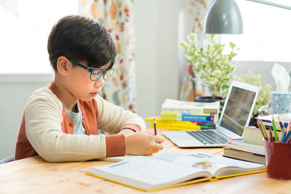 Going back to school also means back to homework, and while some parents might struggle to make their kids get homework done on time, setting a routine for that, just like a set sleep schedule, will help ensure things get done in a timely manner each day.