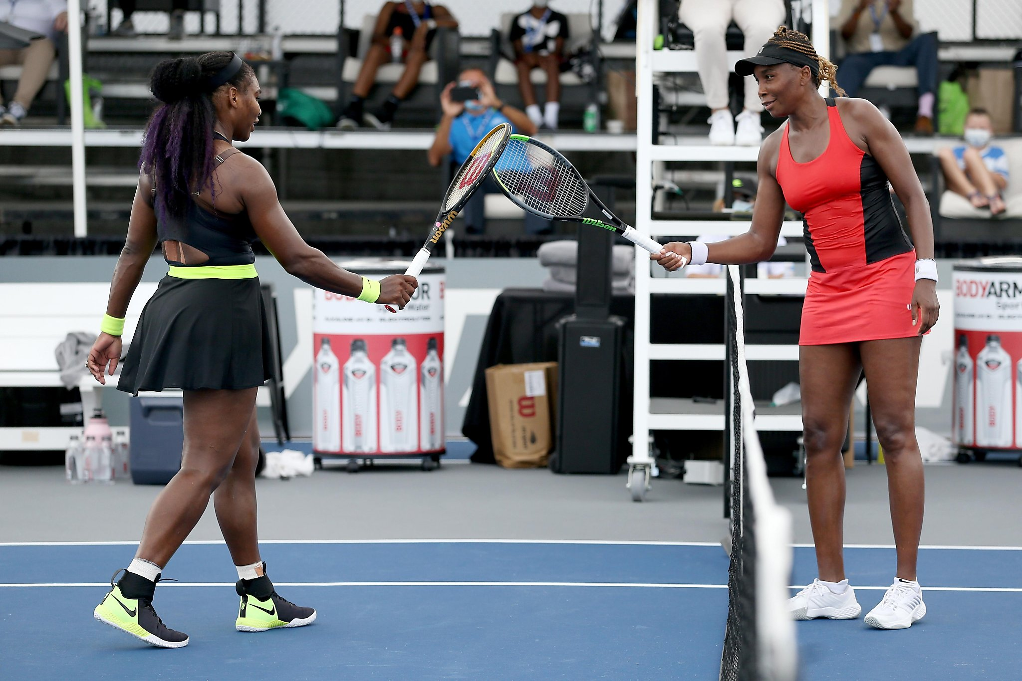 Sibling rivalry: Serena beats Venus to take 31st meeting - SFGate