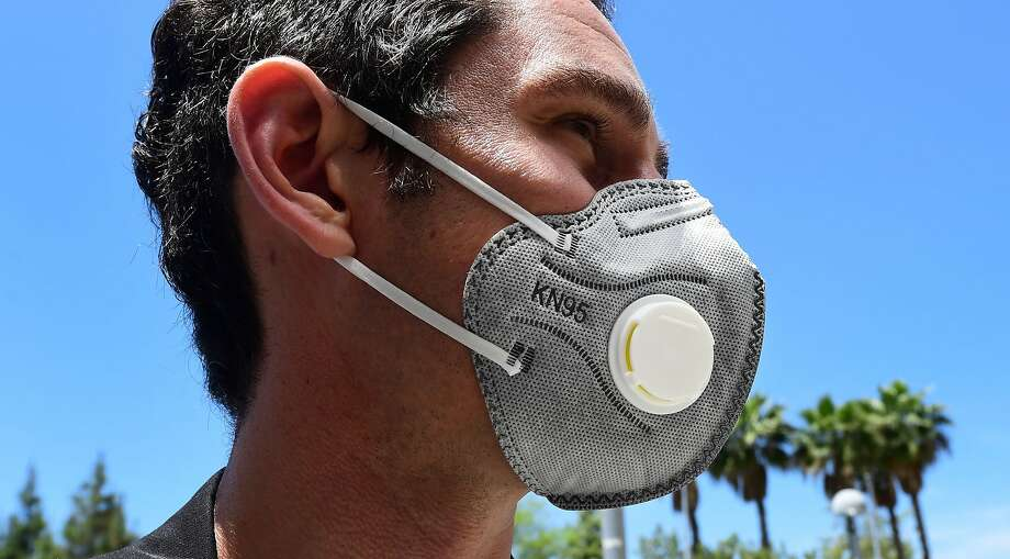 An N95 mask with an exhaust vent is seen in this May 14, 2020, photo at the LAC+USC Medical Center in Los Angeles. Photo: Frederic J. Brown, AFP Via Getty Images