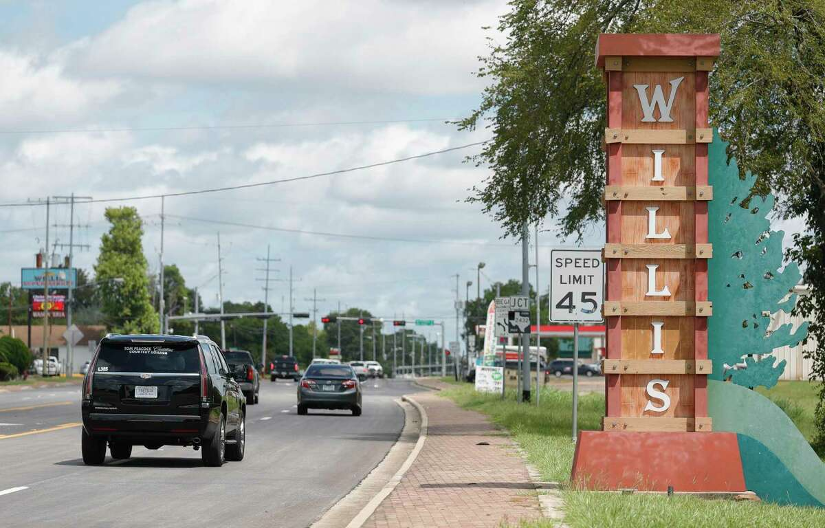 A city of Willis entryway sign is seen along TX-75, Wednesday, July 29, 2020, in Willis. Officials with the Willis City Council plan to propose a new anti-camping ordinance in August.
