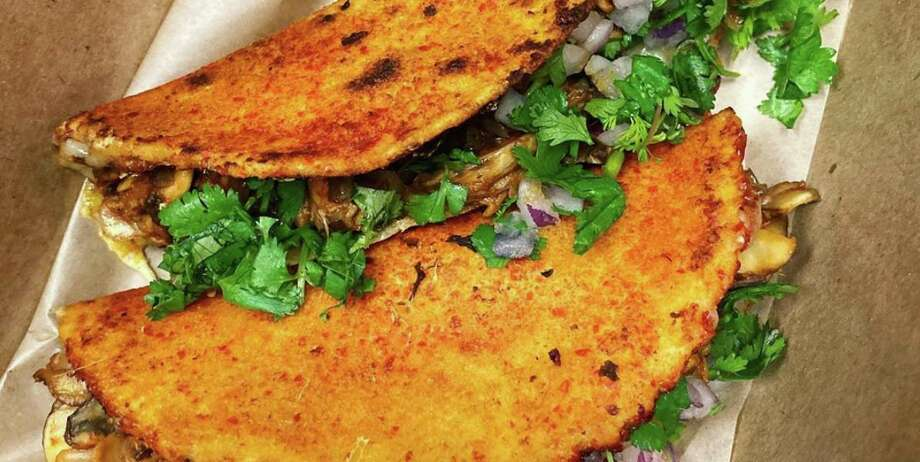 Vegan birria quesadillas from Vegan Avenue Photo: Griselda Muñoz / Vegan Avenue