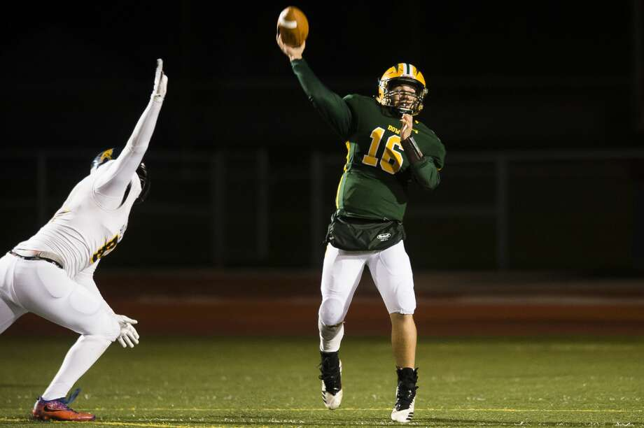 Dow High's Shane Juday delivers a pass during an Oct. 18, 2019 game against Mount Pleasant. Photo: Daily News File Photo