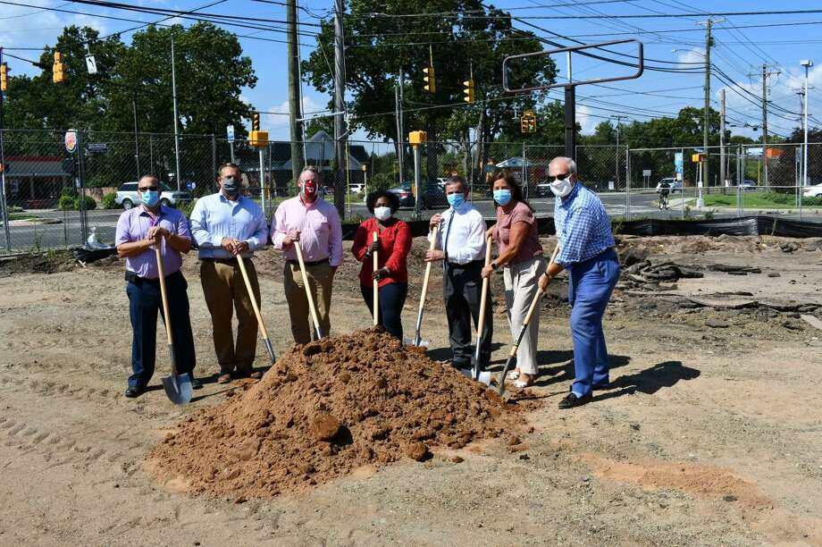 Guilford Savings Bank officials on Wednesday celebrated the start of construction of a new branch in North Haven. Photo: Contributed Photo