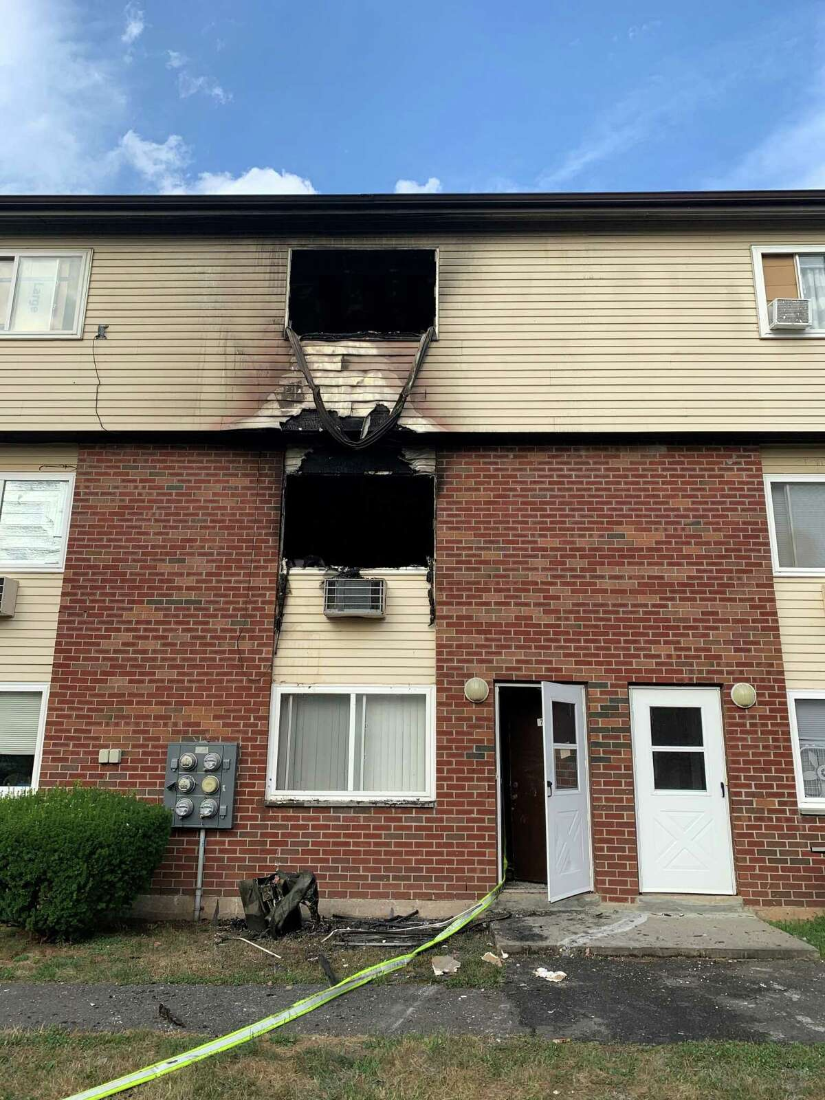 Firefighters extinguished a blaze at the Summer Hill Apartments in Middletown Friday.