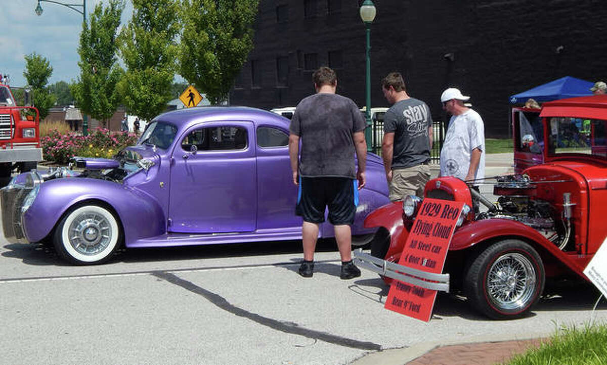 Nearly 200 cars of all types took part in Saturday's Morton Avenue Misfits Car Show and Cruise. Cars lined the downtown Jacksonville plaza for judging in 20 classes.