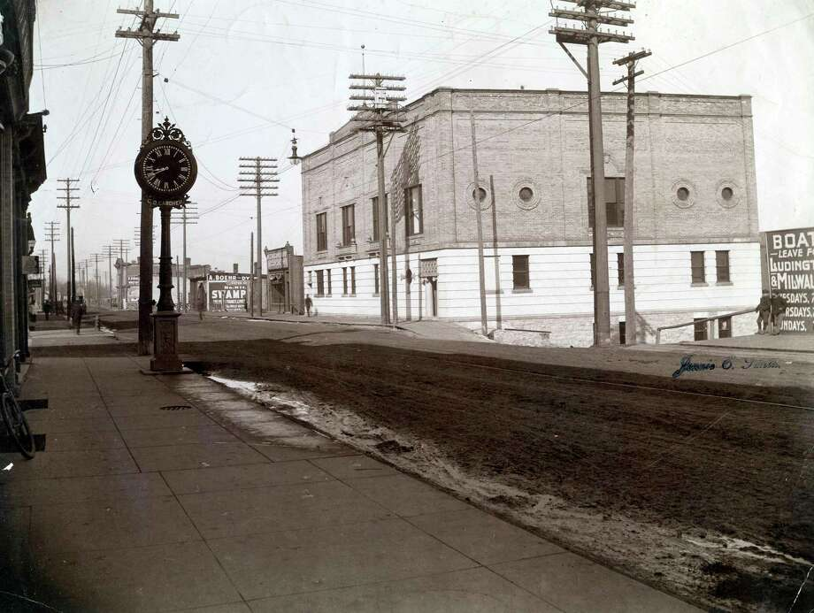 Looking west down River Street near the corner of Oak Street at the Elks Temple circa early 1900s. (Manistee County Historical Museum photo)