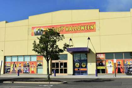 Halloween 2020 Showtimes Connecticut Spirit unfurls Halloween popups in CT amid expected slump in