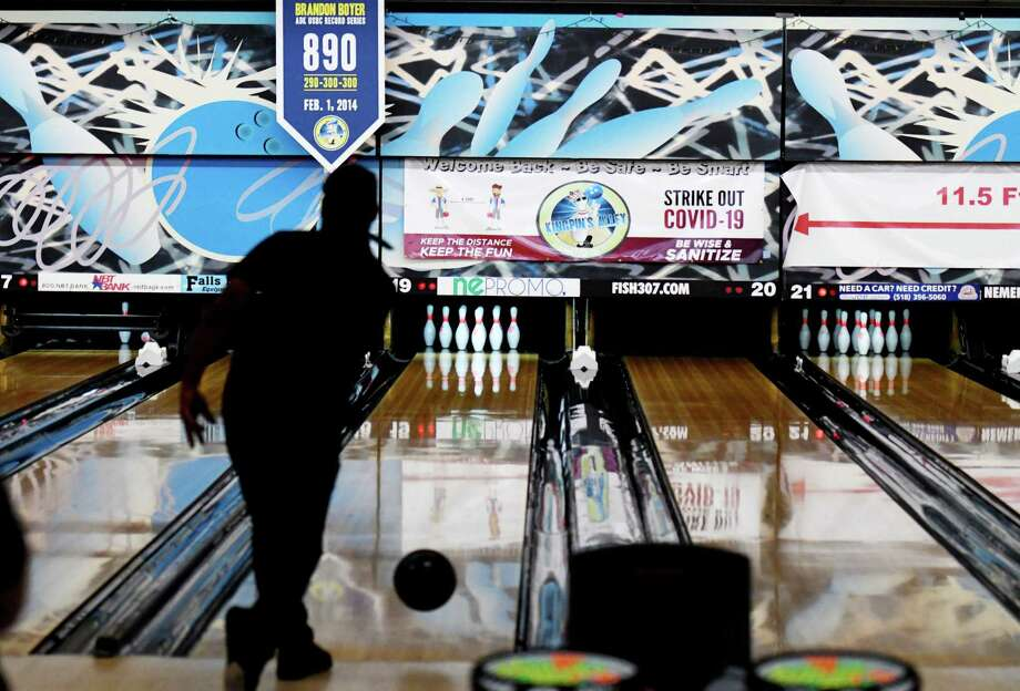 Bowlers will soon be able to return to the lanes under Michigan's coronavirus guidelines. (Will Waldron/Times Union) Photo: Will Waldron, Albany Times Union / 40049790A