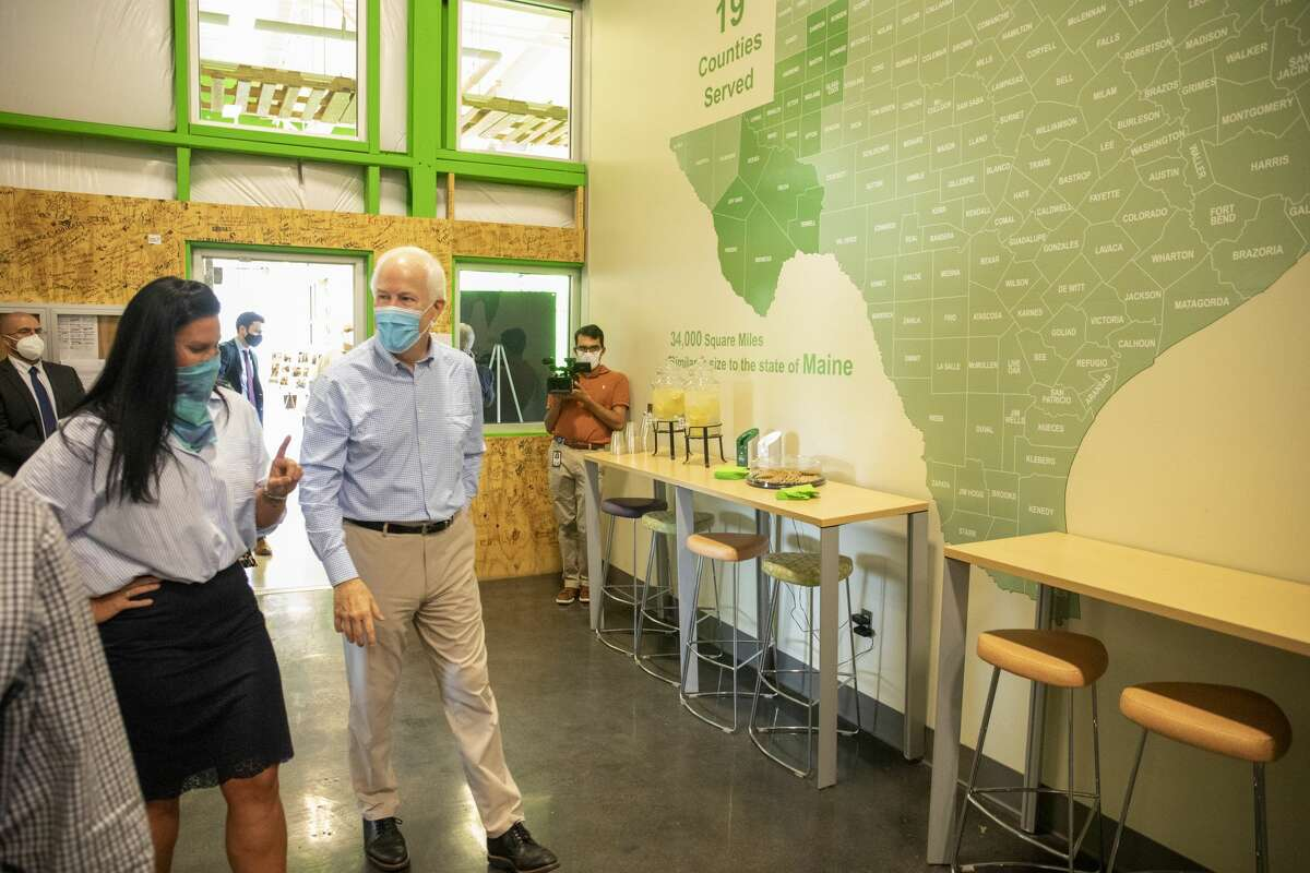 U.S. Sen. John Cornyn visited with executive director Libby Campbell on Monday, Aug. 17,2020 at the West Texas Food Bank.
