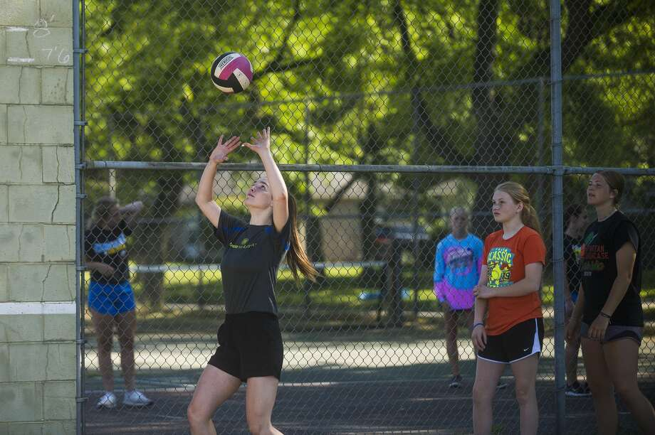 Midland High's Olivia DePierro practices setting at Northeast Middle School on June 18, 2020. Photo: Daily News File Photo