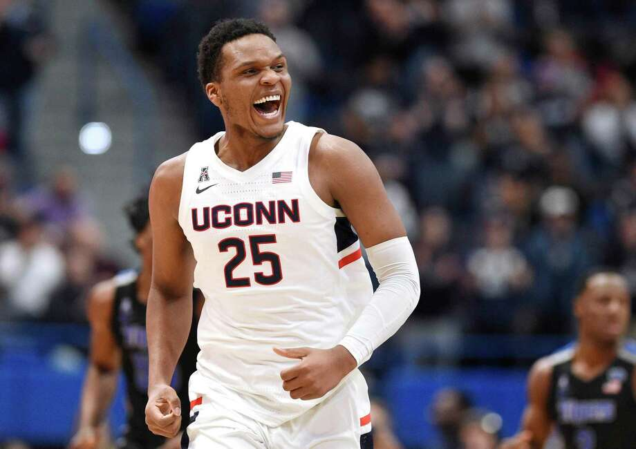 Connecticut's Josh Carlton in the first half of an NCAA college basketball game, Sunday, Feb. 16, 2020, in Hartford, Conn. (AP Photo/Jessica Hill) Photo: Jessica Hill / AP / Copyright 2020 The Associated Press. All rights reserved.