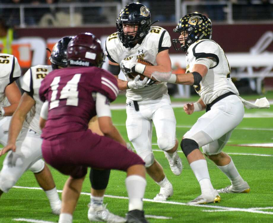 Tulia will have to deal with the likes of Hayze Hufstedler (21) and the Canadian Wildcats this season. Canadian is the second-ranked team in the preseason polls and one of the toughest opponents Herald area football teams will season this season. Photo: Nathan Giese/Planview Herald