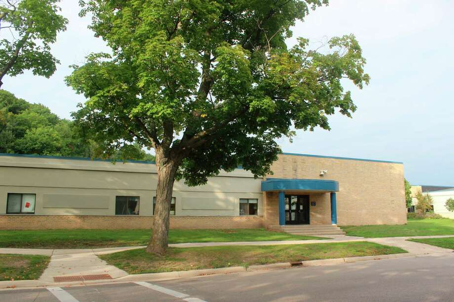 Frankfort Elberta Area Schools parents and students have until Aug. 21 to decide if they want to go back to school in-person or though distance learning. (File Photo)