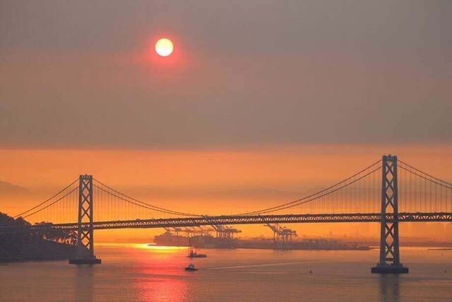 Bay Area skies were covered in smoke from multiple wildfires at sunrise on Aug. 19, 2020. Photo: Instagram / Phototravelguide