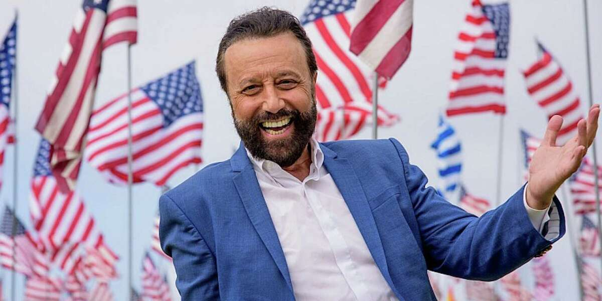 Yakov Smirnoff will perform online in a comedy special Aug. 29.