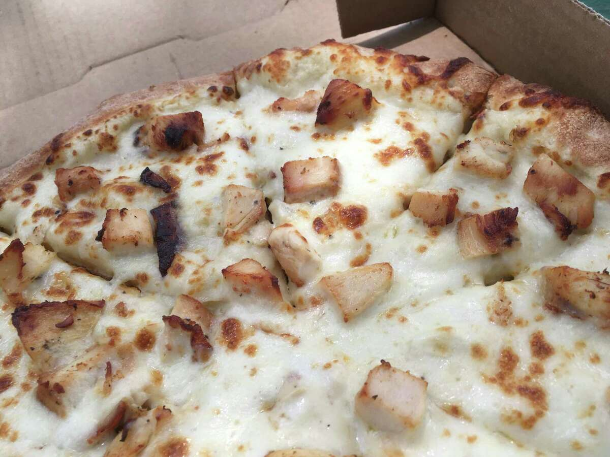 The Alfredo chicken pizza at Pizza Classics