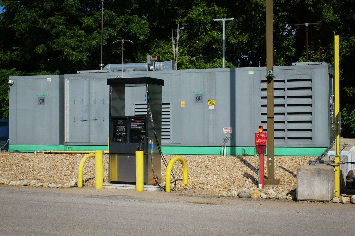 Researchers at UT-Austin developed a hydrogen refueling station for use in larger projects testing hydrogen energy in vehicles. In 2018, a team of student researchers at the school retrofitted a UPS delivery van with a hydrogen-powered fuel cell.