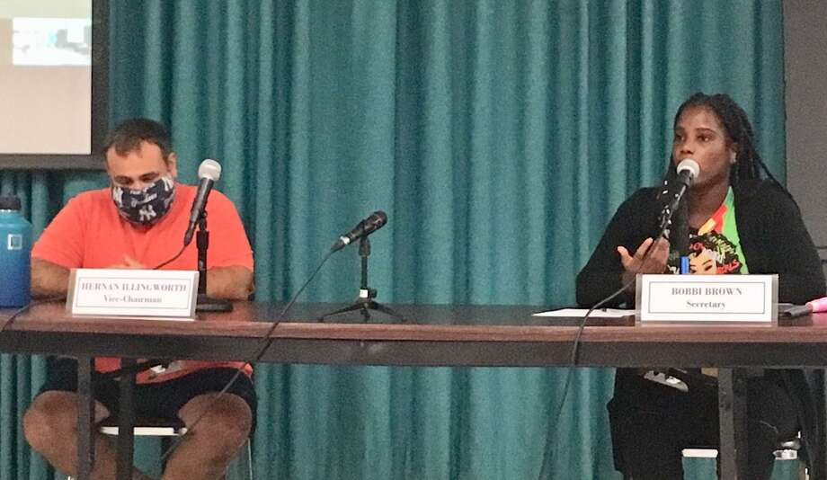Bridgeport Board of Education members Hernan Illingworth and Bobbi Brown at a special meeting on the district fall reopening plan. Aug. 19. 2020. Photo: Linda Conner Lambeck
