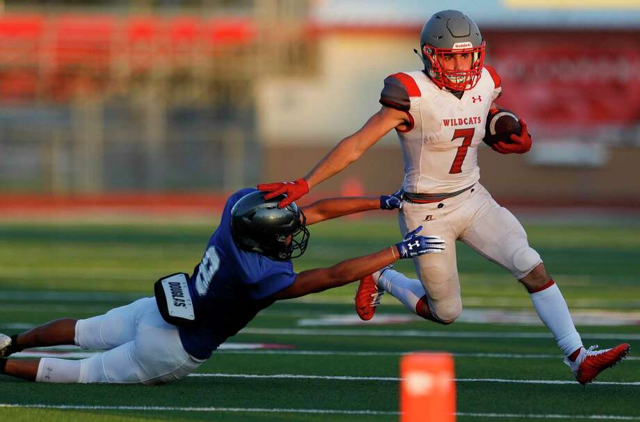 Splendora running back Andrew Hernandez picks up a first down during a high school football scrimmage against Needville at Wildcat Stadium, Thursday, Aug. 20, 2020, in Splendora. Photo: Jason Fochtman, Houston Chronicle / Staff Photographer / 2020 © Houston Chronicle