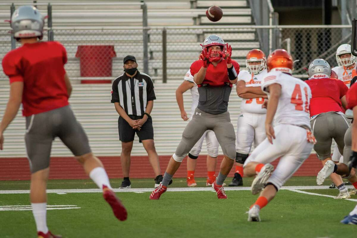 Orangefield traveled to Lumberton for a football scrimmage game as the start of the season gets closer. Photo made on August 20, 2020. Fran Ruchalski/The Enterprise