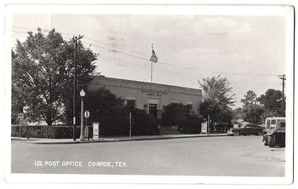 In the 1930s and through the 1960s, the Conroe post office was located in downtown Conroe on Thompson Street. The post office also featured a mural painted by artist Nicholas Lyon.