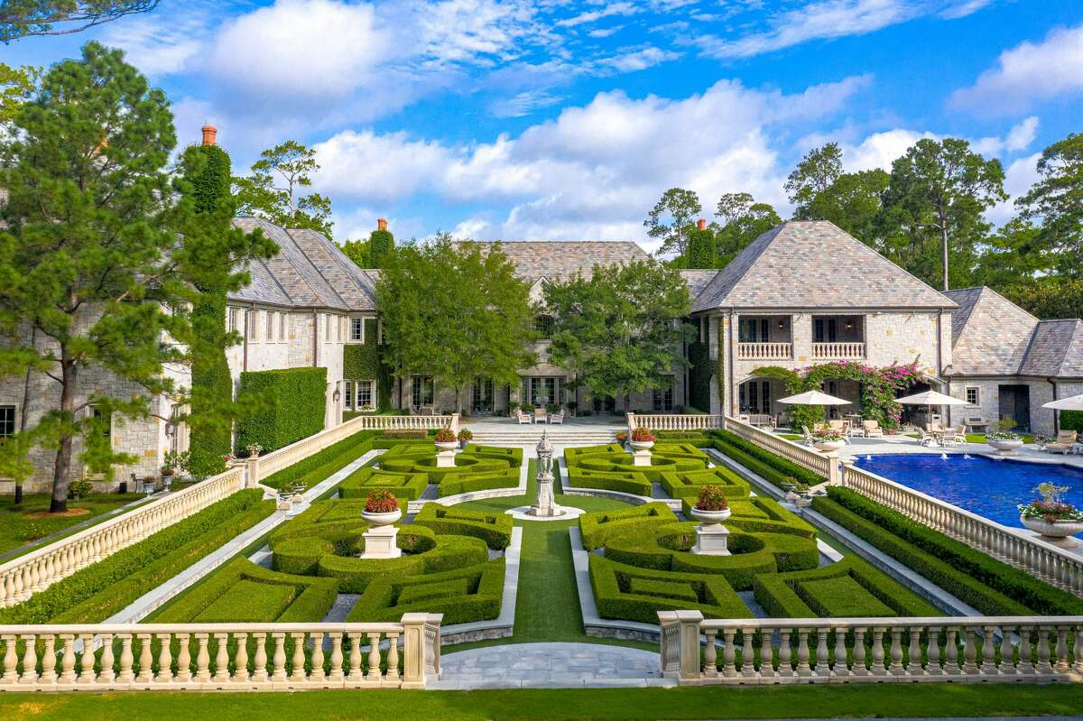 The home is situated over 4 acres, and totals 26,000 square-feet.