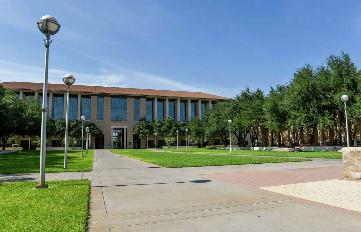 TAMIU's Bachelor of Psychology program ranks No. 33 in the nation, according to Study.com.