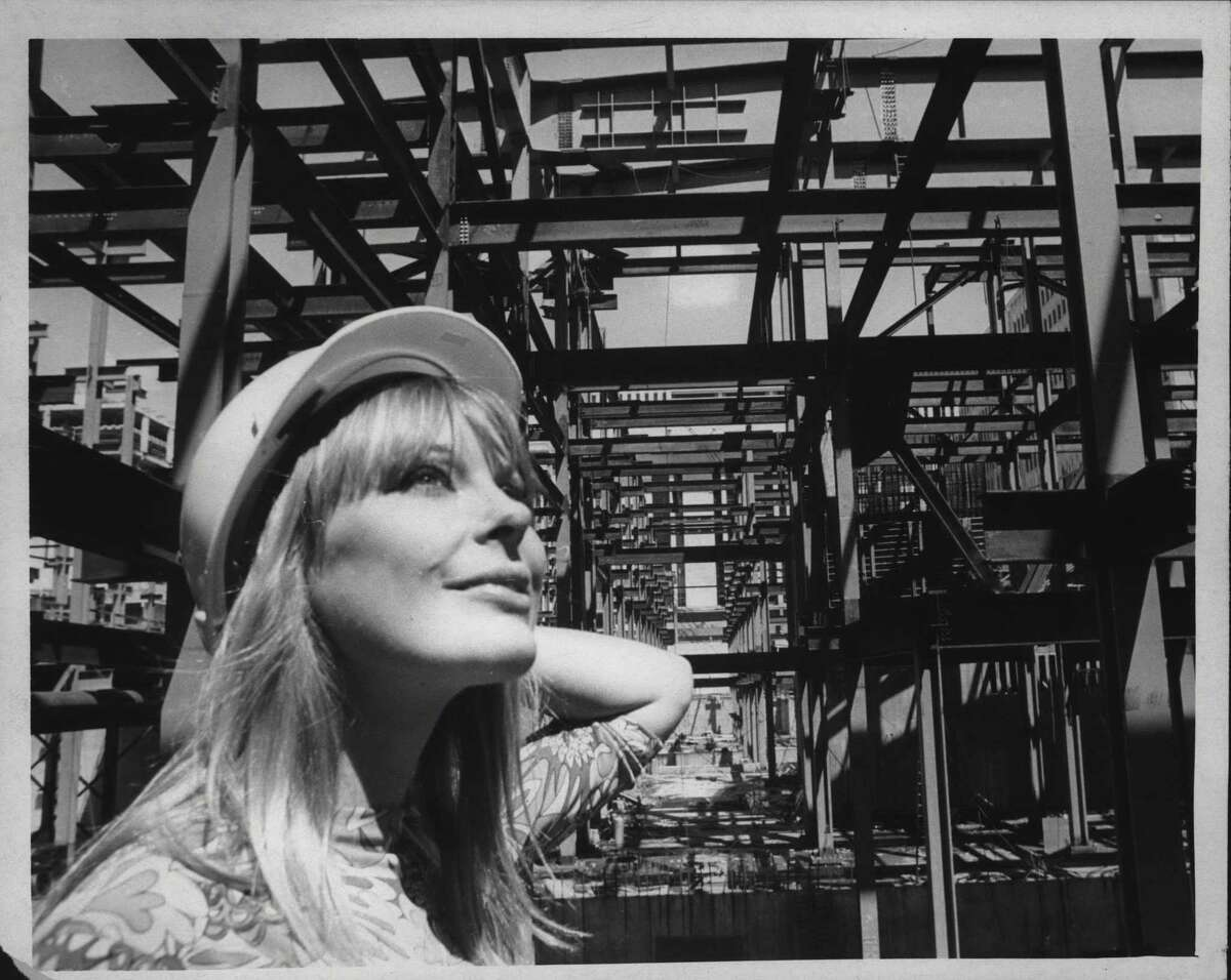 Actress Elke Sommer Tours Albany, New York. Elke Sommer touring the south mall. 1970 (Times Union Archive)