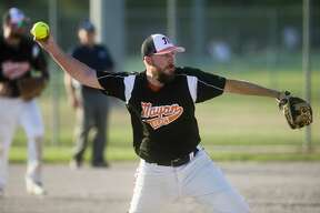 Mayan Agency's Andy Rohn pitches the ball during a game against Frankenmuth Brewers Friday, Aug. 21, 2020 at the Redcoats Complex in Midland. (Katy Kildee/kkildee@mdn.net)