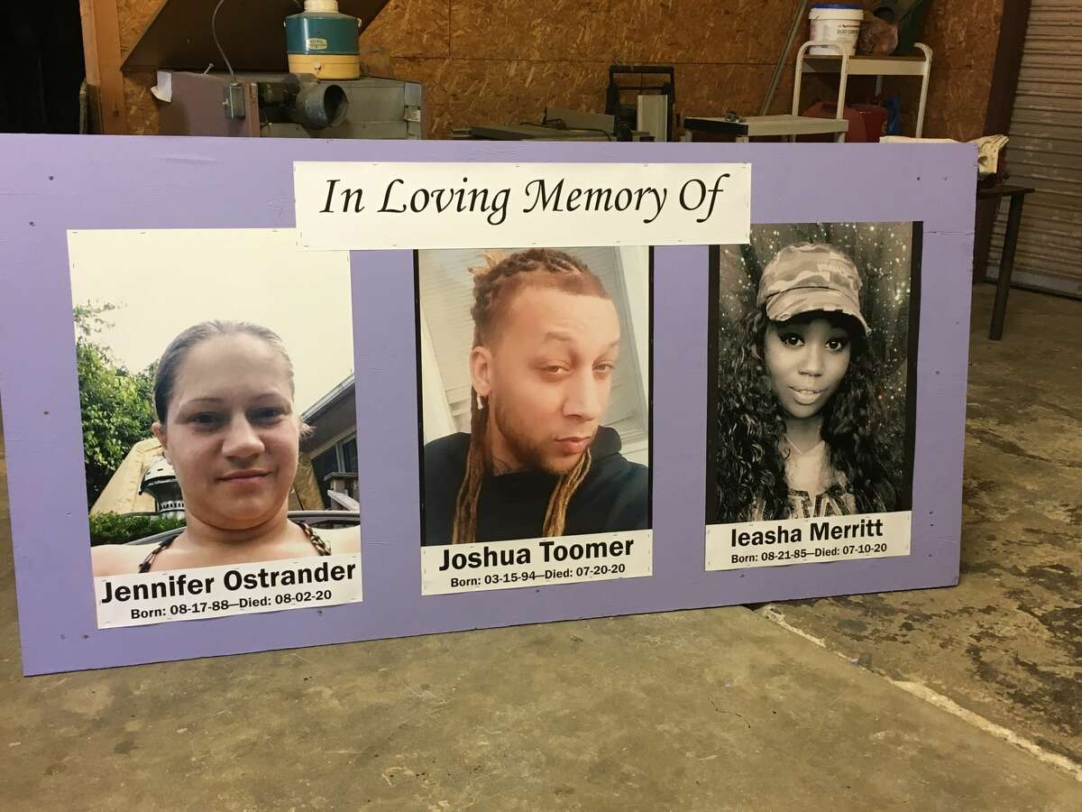 A memorial unveiling for two shooting victims and one accident victim is planned for 4 p.m. Saturday Aug. 22, at the Bridge Christian Church, Schenectady.