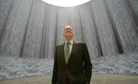 3/22/07--Gerald Hines was the developer of the Water Wall (background) on Post Oak Blvd. Gerald Hines is the founder of the Houston based Hines commercial real estate firm which turned 50 this year. Photo by Steve Campbell, Chronicle Staff.