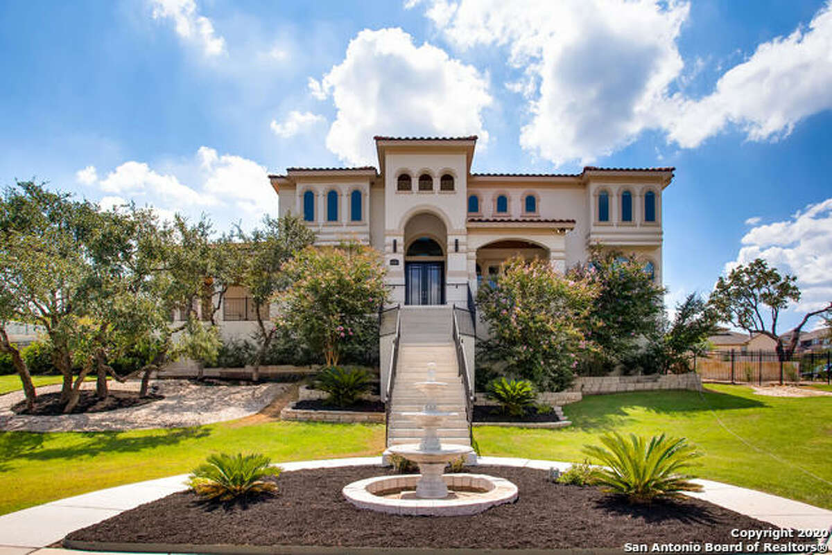 Residents enjoy beautiful single-family homes and luxury apartments.