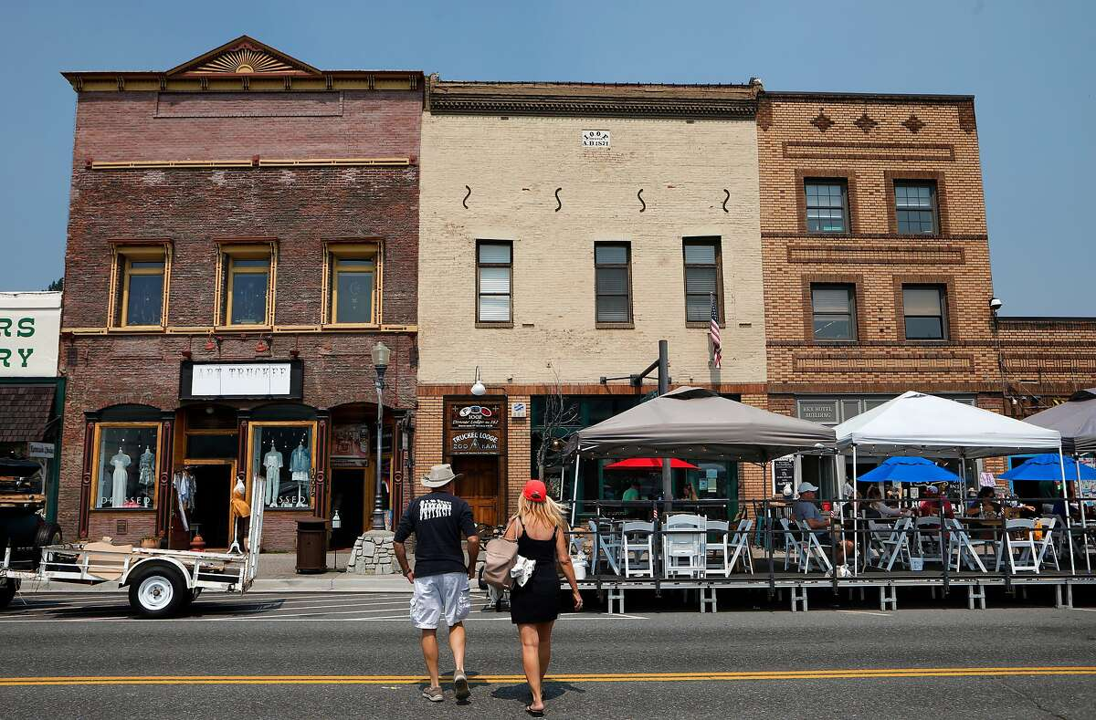 Businesses in downtown Truckee, Ca. have moved their restaurant service to outdoor dining along Donner Pass Road, due to the COVID 19 virus as seen on Thurs. Aug. 20, 2020.
