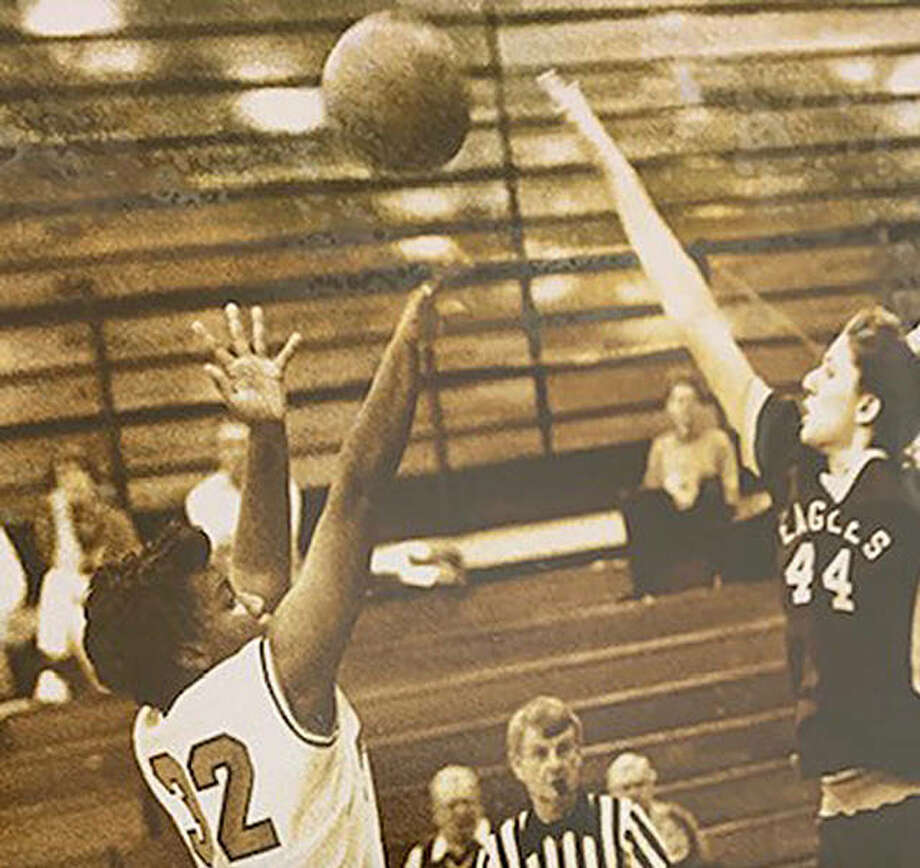 Kim Jackson, left, was the leading career scorer at Edwardsville when she graduated in 1993. Photo: For The Intelligencer