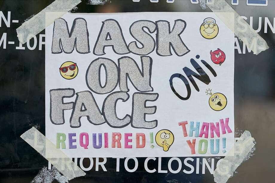 The Odessa City Council on Tuesday unanimously voted to extend Mayor David Turner's executive order requiring that businesses ask customers to wear face masks. Photo: Cooper Neill, Bloomberg