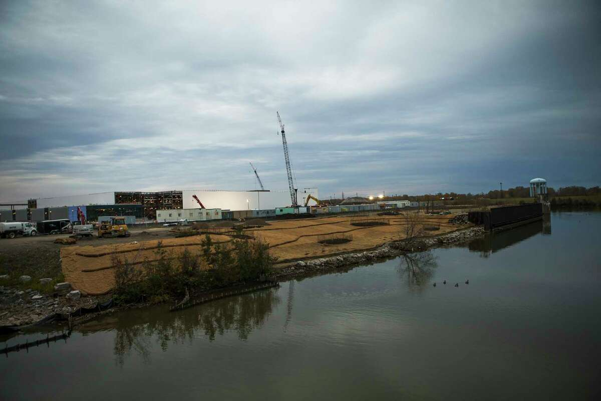 FILE -- A solar panel factory under construction on the former site of Republic Steel along the Buffalo River, in Buffalo, N.Y., Oct. 24, 2015. The so-called Buffalo Billion, Gov. Andrew Cuomoa€™s most prominent economic development project, has met few of its job-creation targets in 2018. (Brendan Bannon/The New York Times)