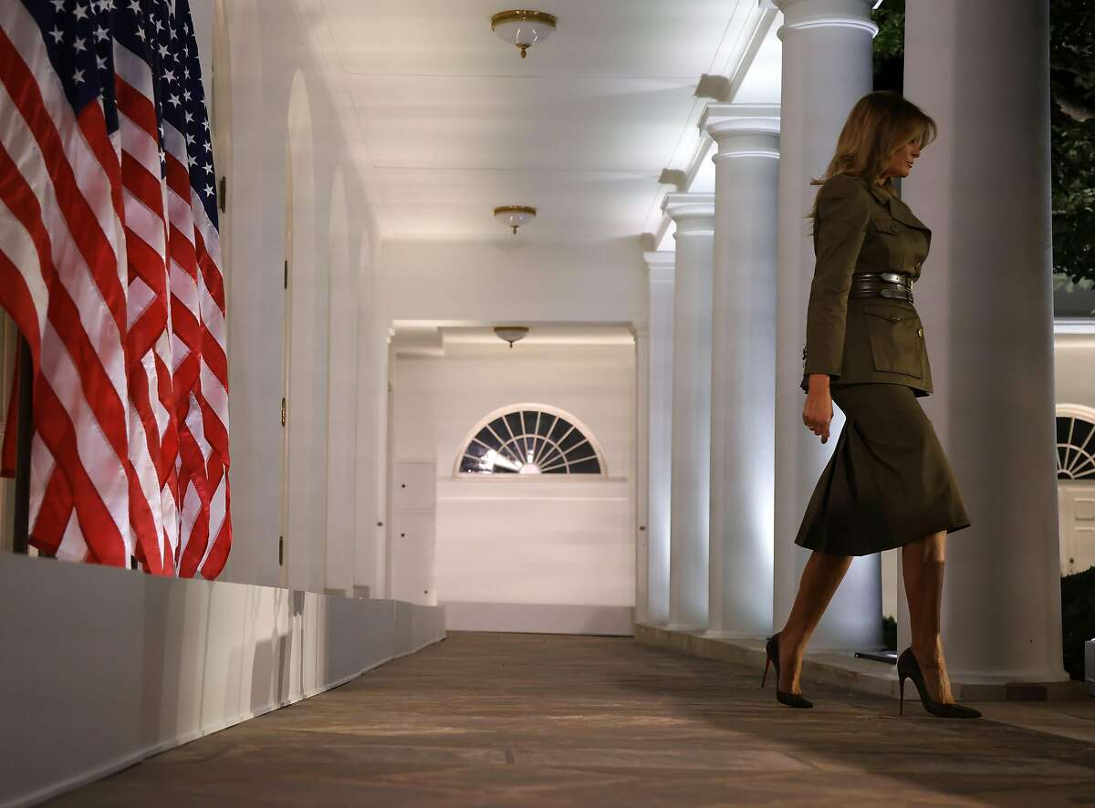 WASHINGTON, DC - AUGUST 25: U.S. first lady Melania Trump walks into the Rose Garden before addressing the Republican National Convention at the White House on August 25, 2020 in Washington, DC. The convention is being held virtually due to the coronavirus pandemic but will include speeches from various locations including Charlotte, North Carolina and Washington, DC. (Photo by Alex Wong/Getty Images)