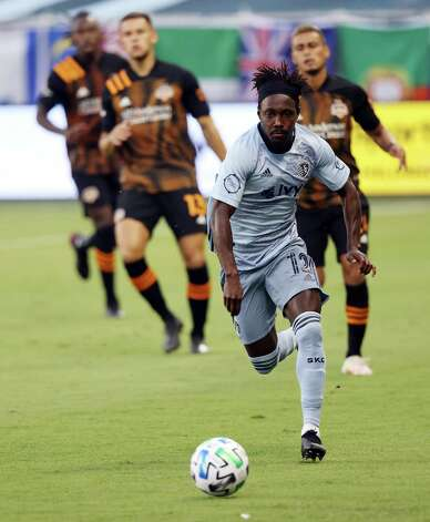 KANSAS CITY, KANSAS - AUGUST 25:  Gerso #12 of Sporting Kansas City controls the ball during the game against the Houston Dynamo at Children's Mercy Park on August 25, 2020 in Kansas City, Kansas. Photo: Jamie Squire, Getty Images / 2020 Getty Images