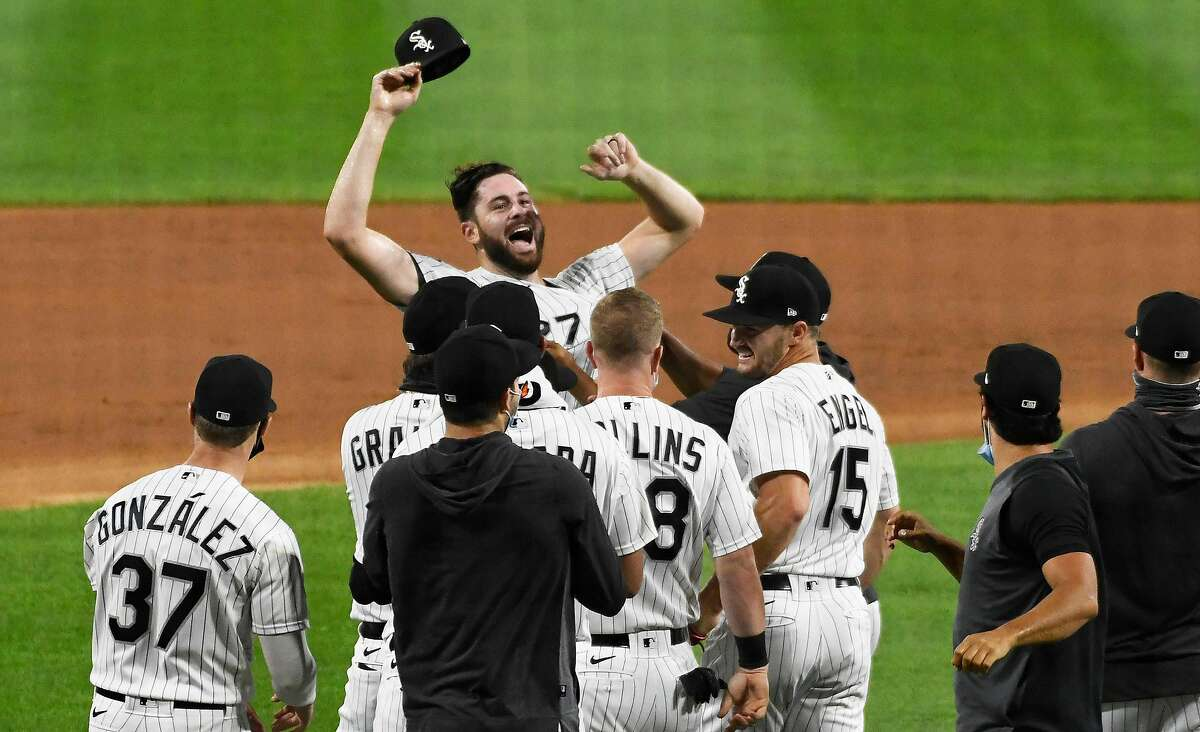 Lucas Giolito of the Chicago White Sox celebrates his no-hitter against the Pittsburgh Pirates on Tuesday, Aug. 25, 2020, at Guaranteed Rate Field in Chicago. (David Banks/Getty Images/TNS)
