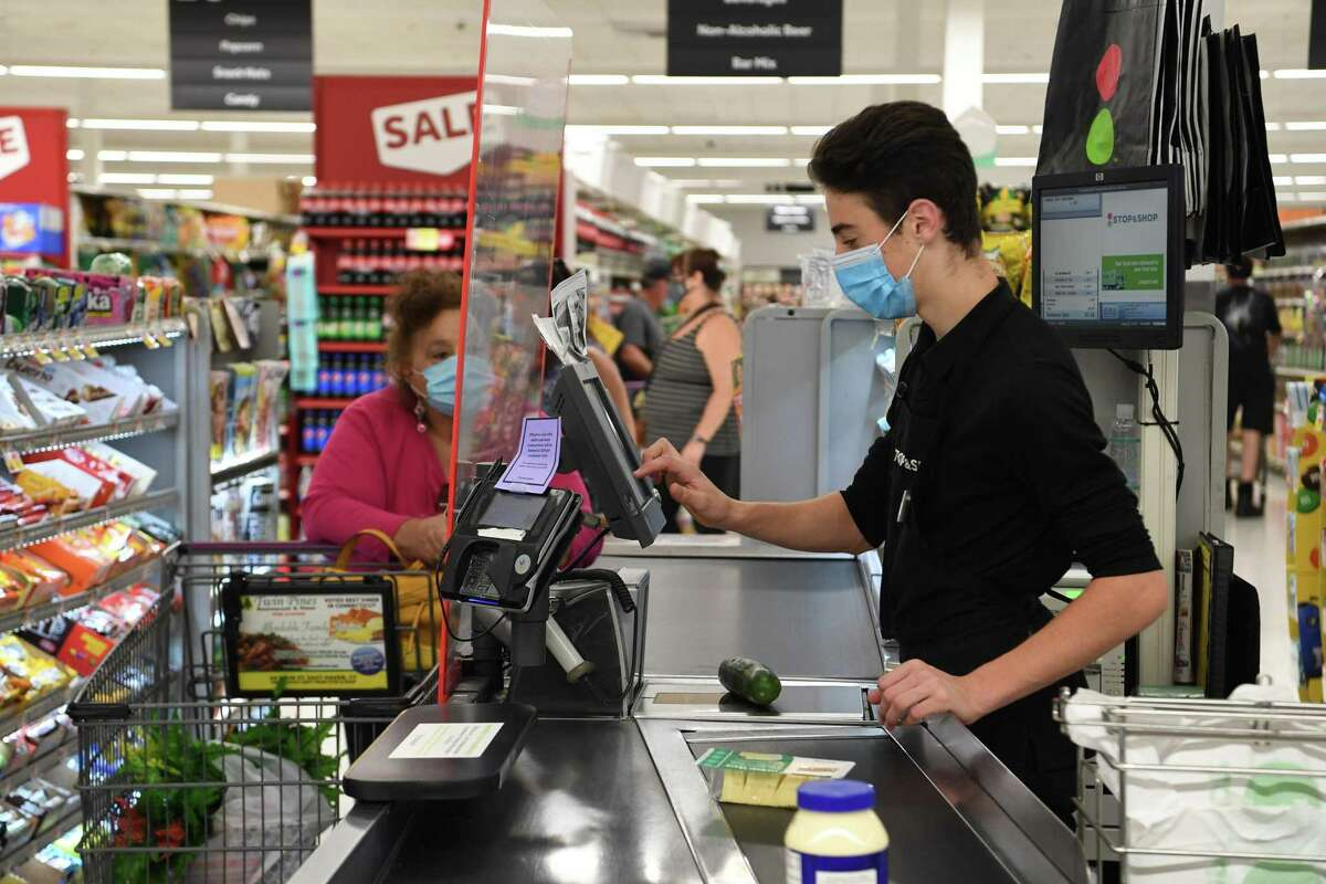 Stop & Shop unveiled its newly remodeled store in East Haven Friday.