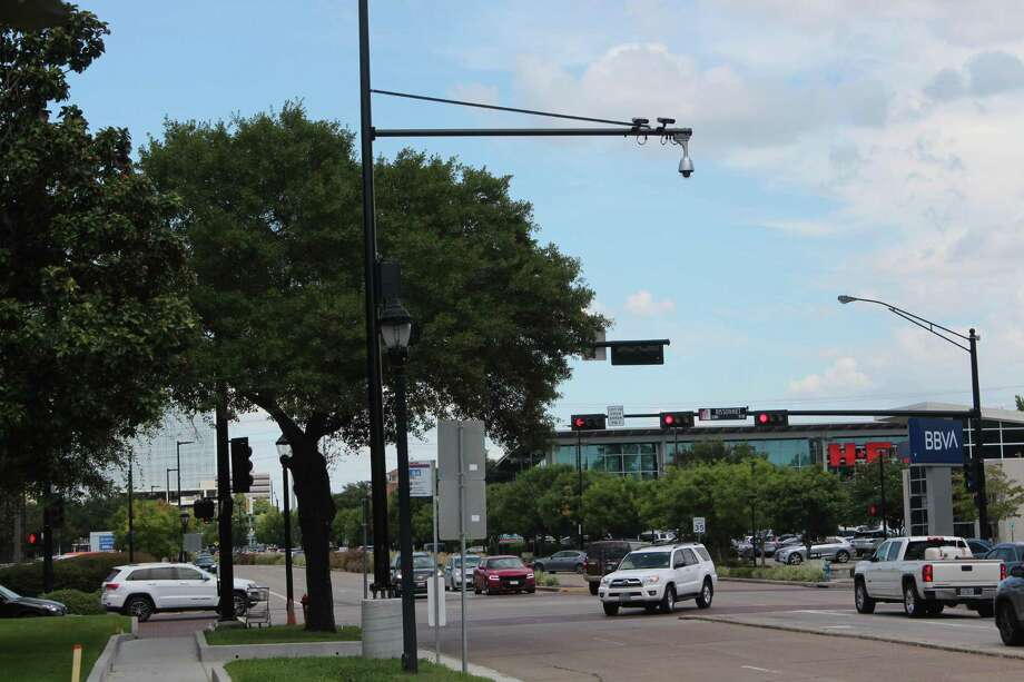 An Automatic License Plate Reader pole, with two cameras on Buffalo Speedway and Bissonnet. Photo: RALPH NICKERSON