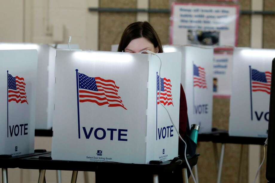 People vote Photo: Getty Images / AFP or licensors