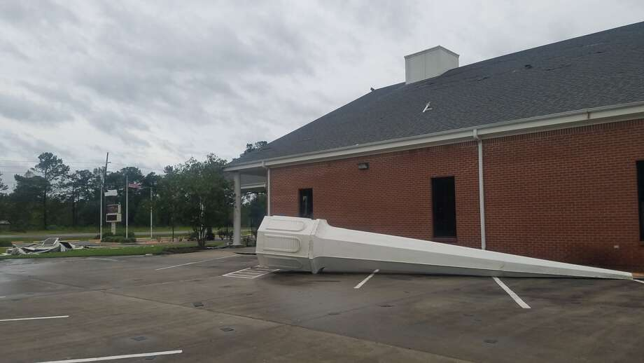 The steeple of Winfree Baptist Church on Highway 62 in Orange was damaged by overnight winds accompanying Hurricane Laura's landfall. Photo: Fran Ruchalski